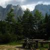 Koča Zacchi nad Belopeškimi jezeri
